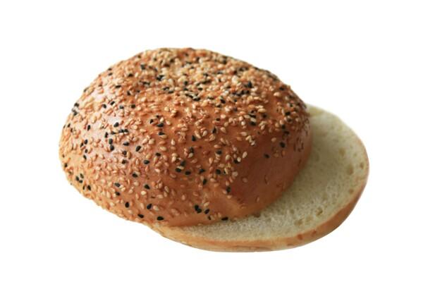 Burger žemľa so sezamom a čiernou rascou, předkrojená 90g