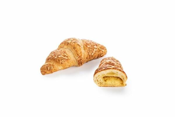 Croissant plněný sýrem s máslem