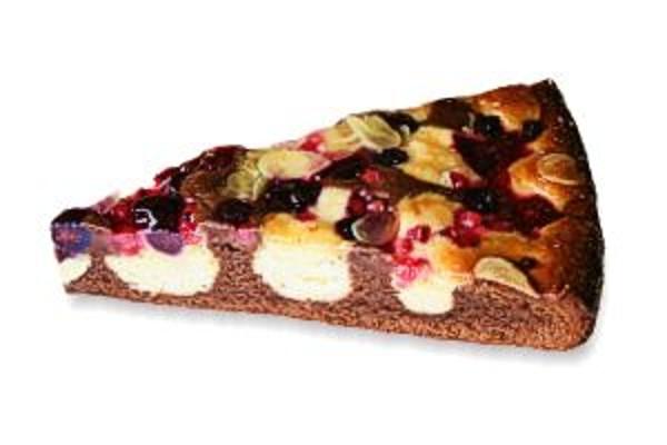 Čokoládovo mandlový koláč s lesným ovocím